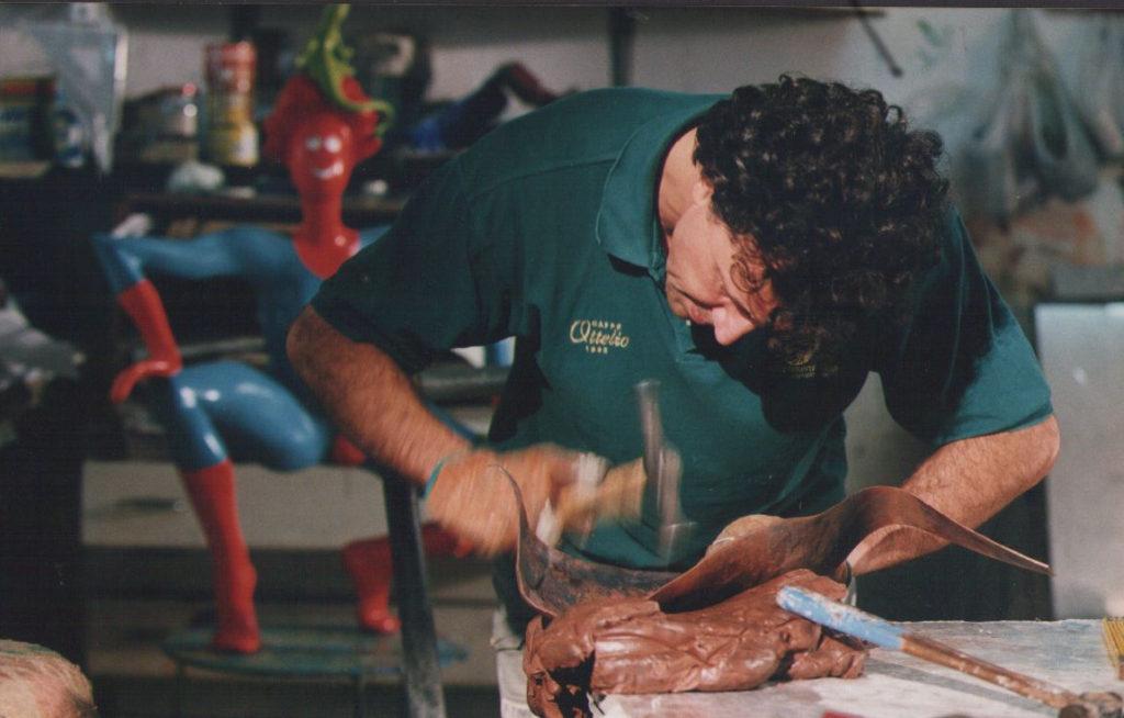 Claudio Colaone nello studio di Biauzzo, Codrpoipo (UD) 1999